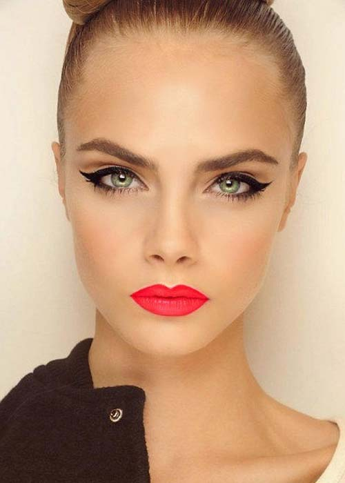 cara-delevingne-bright-lips-summer-trend-rose